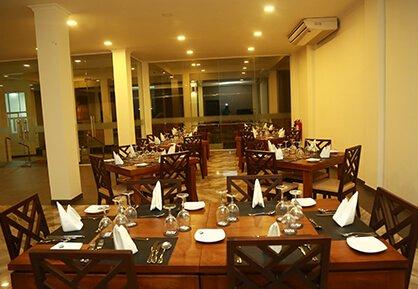 The main restaurant at Weligambay Hotel